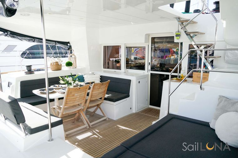 LUNA Yacht Charter - Gather around the al fresco dining table for gourmet meals—with waterfront views, of course.