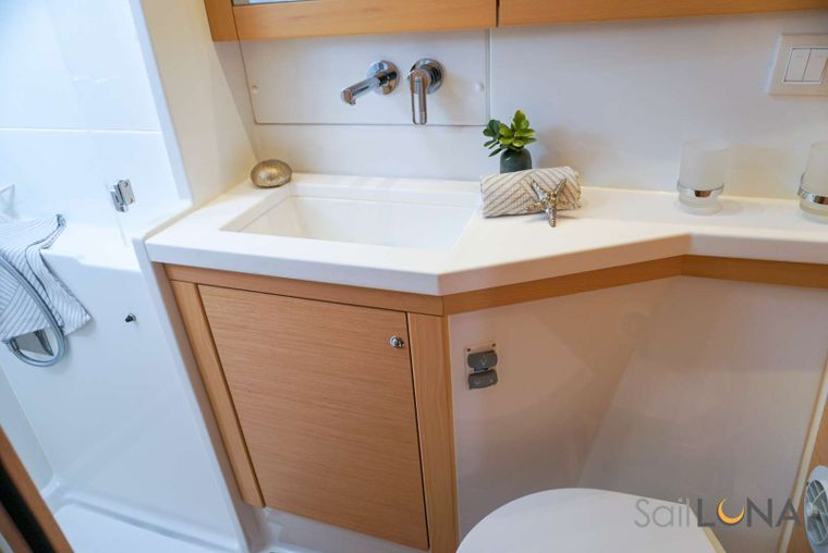 LUNA Yacht Charter - Spacious en-suite bathrooms offer added comfort to life below deck. Each en-suite bathroom is equipped with a separate, full-size shower stall.