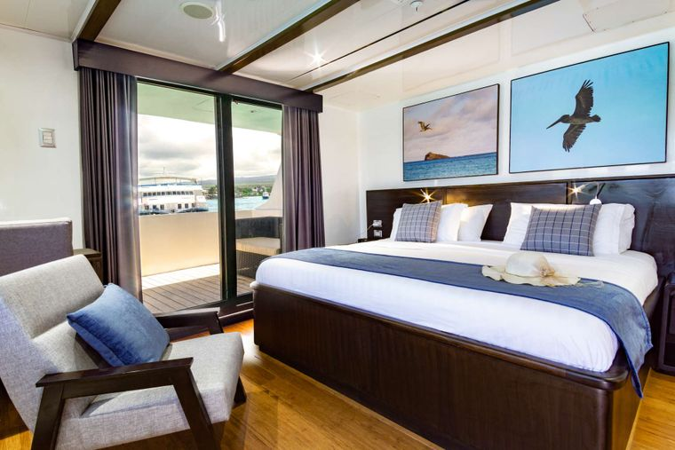 Natural Paradise Yacht Charter - Suite