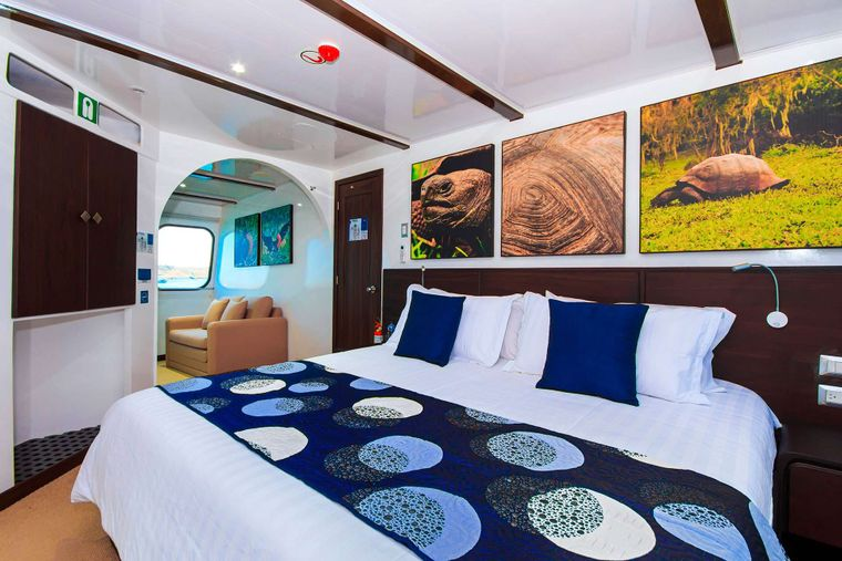Natural Paradise Yacht Charter - Double Cabin