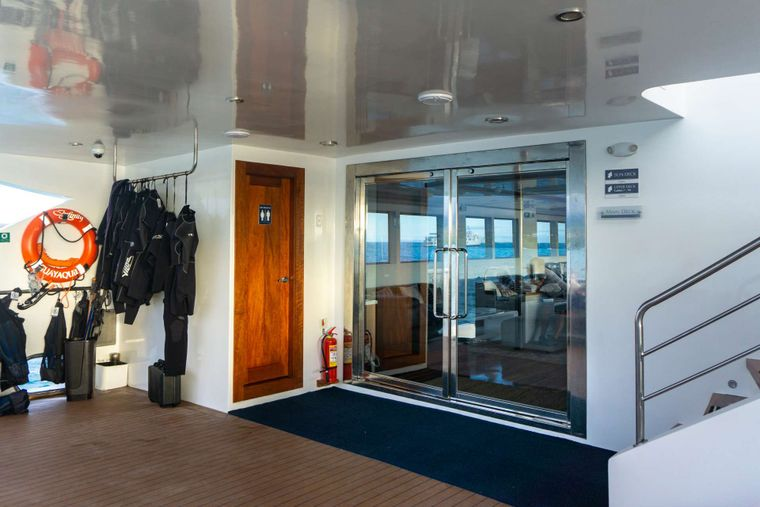 Infinity Yacht Charter - Social areas