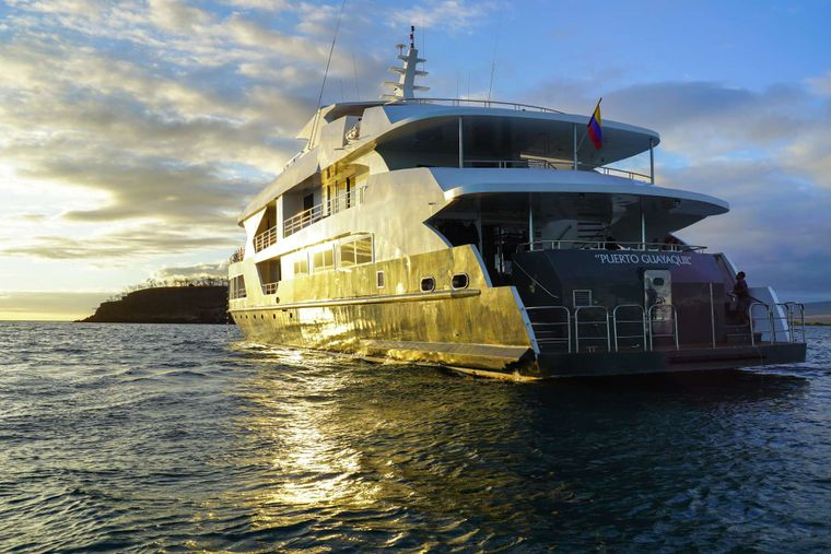 Infinity Yacht Charter - Yacht View