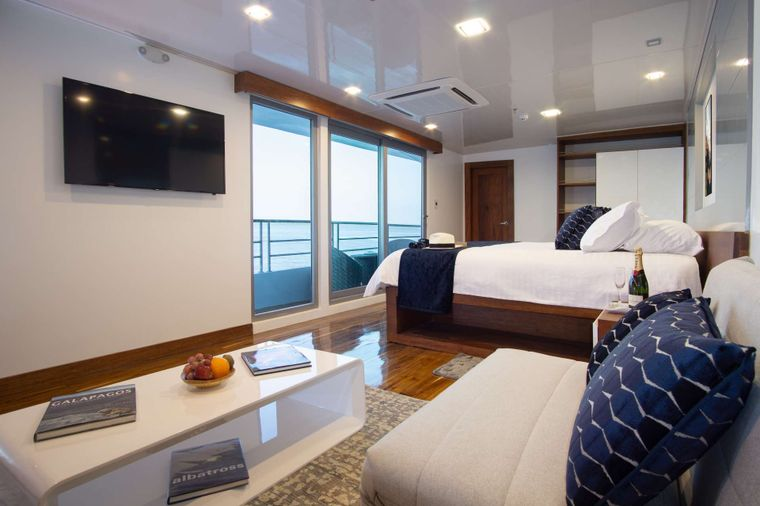 Infinity Yacht Charter - Infinity Suite