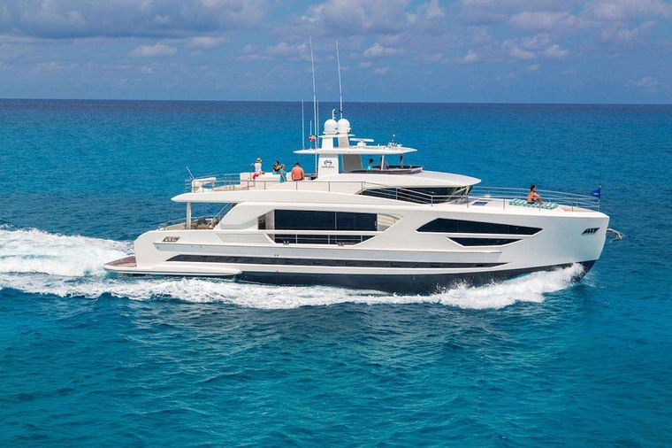 MIDNIGHT MOON Yacht Charter - Ritzy Charters