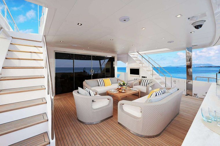 MIDNIGHT MOON Yacht Charter - Aft deck lounging area