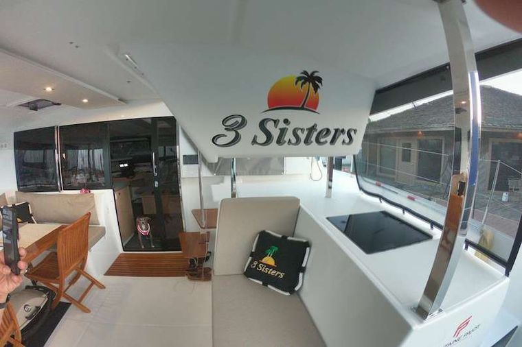 3 SISTERS Yacht Charter - 3 Sisters
