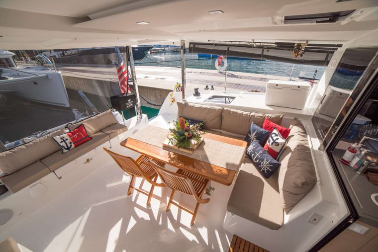 3 SISTERS Yacht Charter - Cockpit Seating