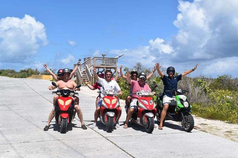 3 SISTERS Yacht Charter - Scooters