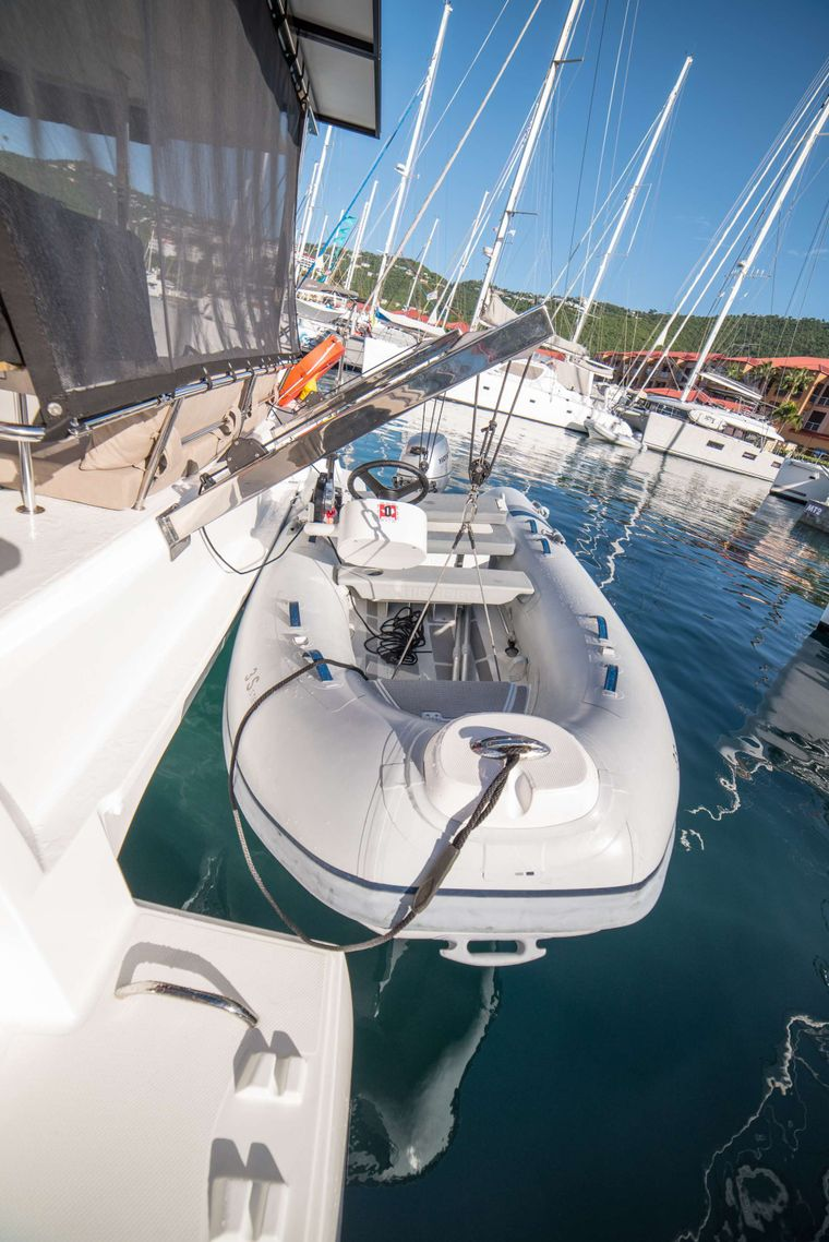 3 SISTERS Yacht Charter - Dinghy