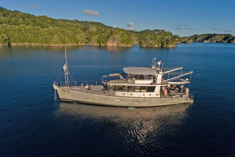 GREY WOLF Yacht Charter - Ritzy Charters