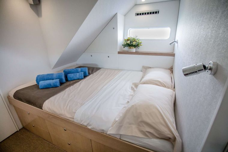GREY WOLF Yacht Charter - Guest cabins are ensuite with separate glass-enclosed showers