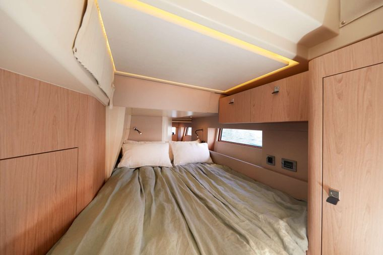 TAONA Yacht Charter - One of the two Double Cabins