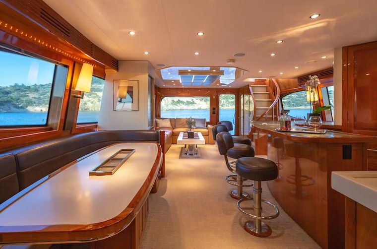 ASTRAPE Yacht Charter - Dining area