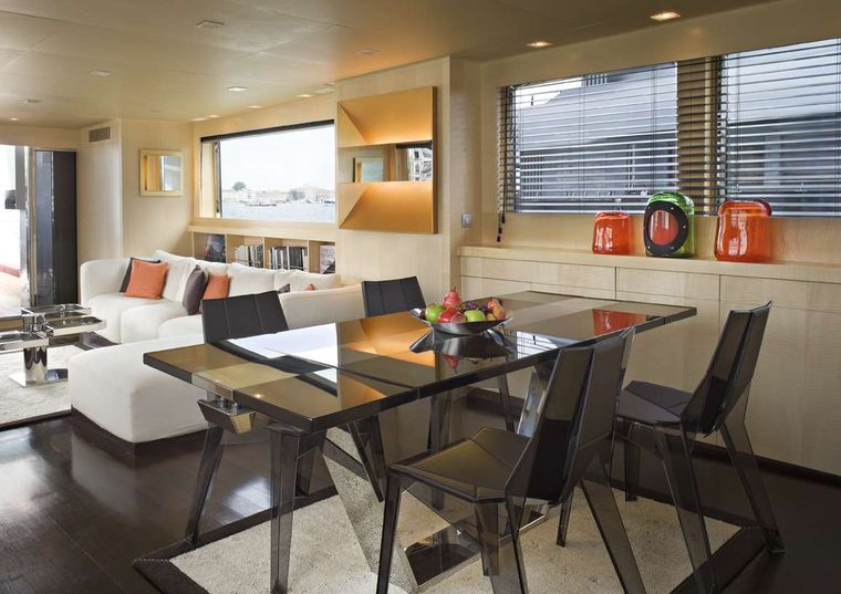 Tempest WS Yacht Charter - Dining area