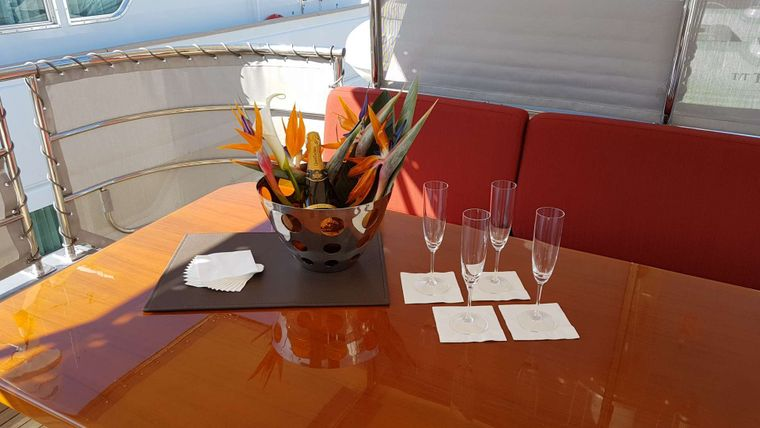 Tempest WS Yacht Charter - Aft Deck Dining Area