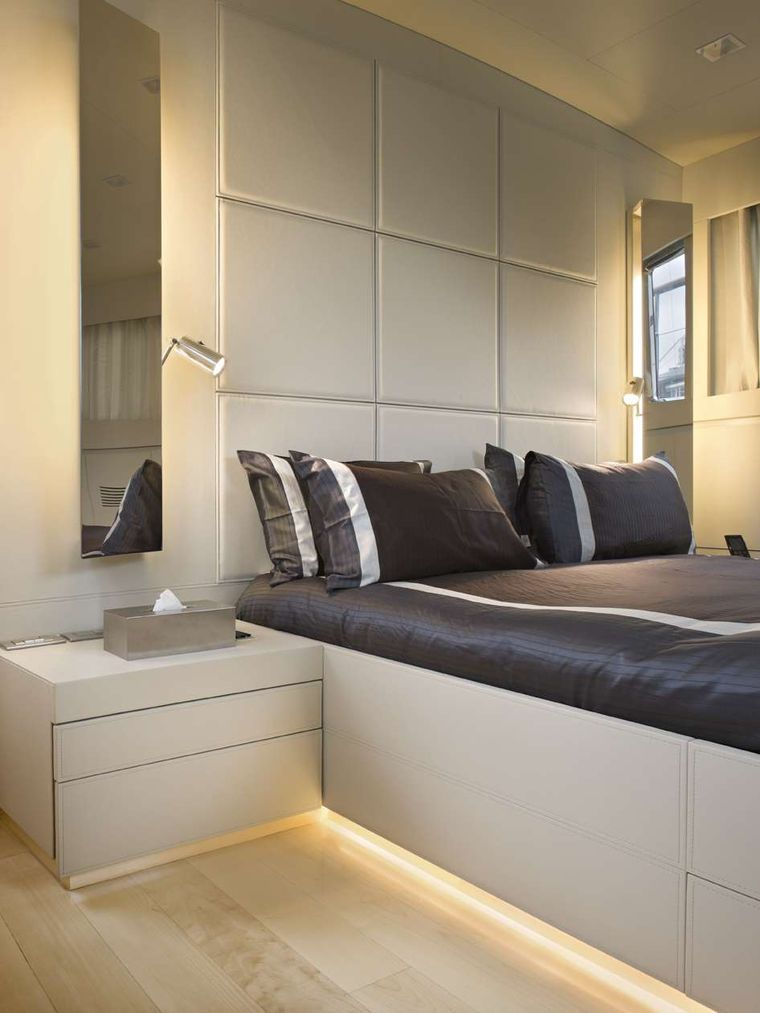Tempest WS Yacht Charter - Master cabin