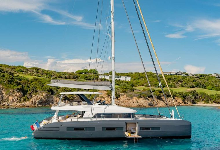 BABAC Yacht Charter - Ritzy Charters