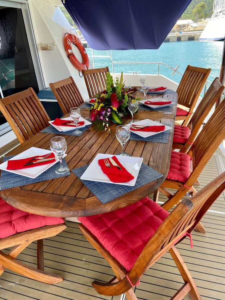 SEA ESTA Yacht Charter - Alfresco dining for up to 10 on the open aft deck.