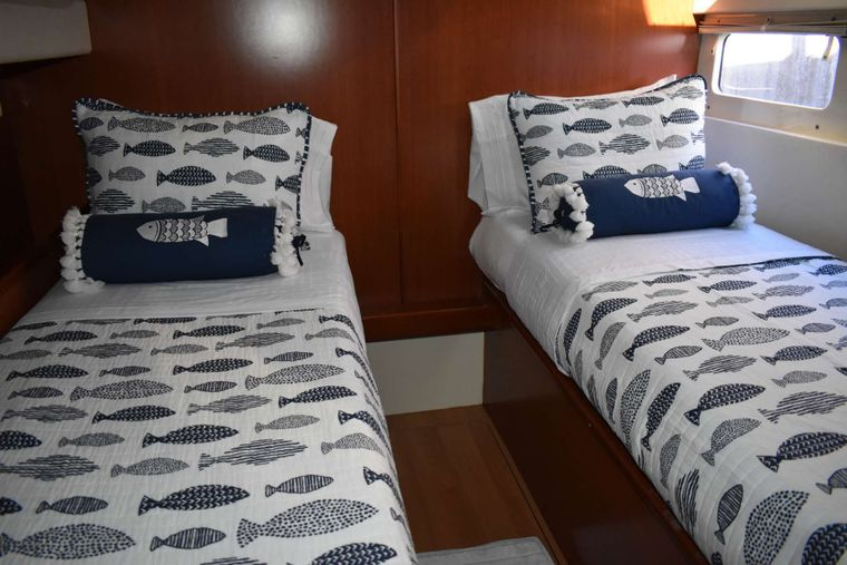 SEA ESTA Yacht Charter - Optional guest cabin with two twin beds on lower port side.
