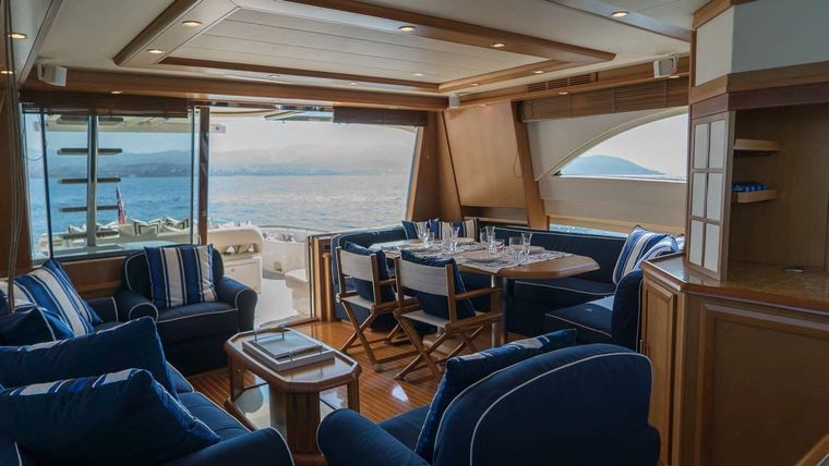 Lumiere Yacht Charter - Saloon and Dining