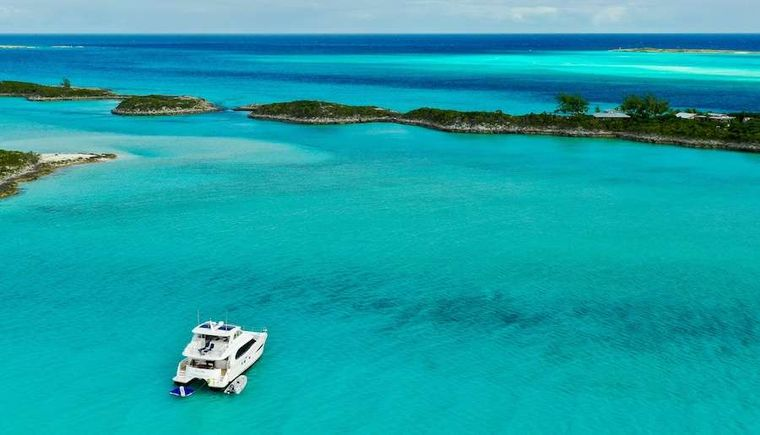 ETERNITY Yacht Charter - At anchor in the Bahamas