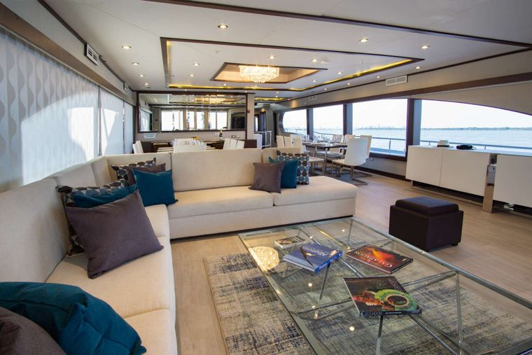 Grand Majestic Yacht Charter - Lounge