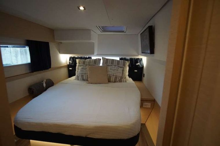 WINTER'S COMING Yacht Charter - Master Cabin