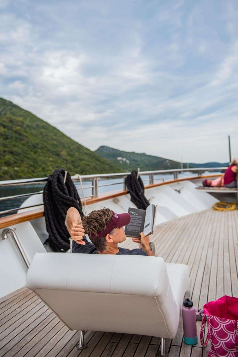 Cristal Yacht Charter - Lounge chairs