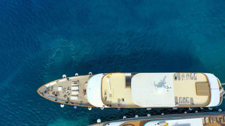 Cristal Yacht Charter - Crystal water