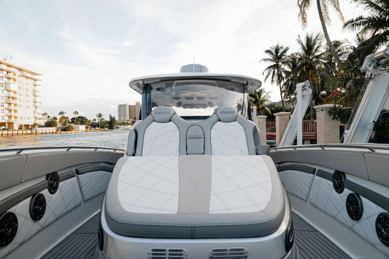 INVISION Yacht Charter - MTI Tender