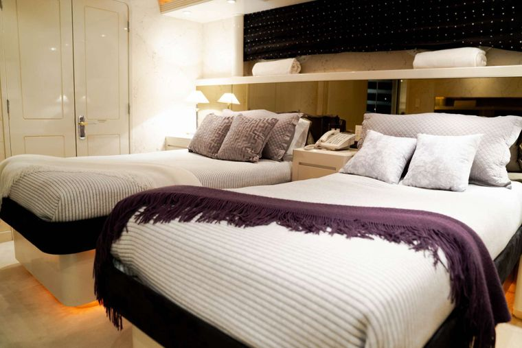 INVISION Yacht Charter - Guest Stateroom