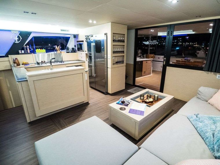BLUE PEPPER Yacht Charter - Salon with galley