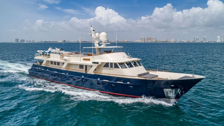 ARIADNE Yacht Charter - Ritzy Charters