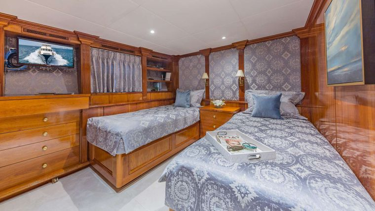 ARIADNE Yacht Charter - Guest Twin Stateroom (Convertible Beds)