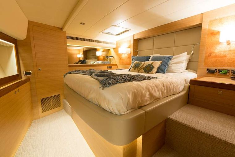 MYSTIC SOUL Yacht Charter - VIP Queen Stateroom