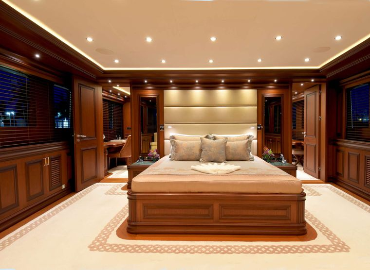 CLARITY Yacht Charter - Master Stateroom, Main Deck
