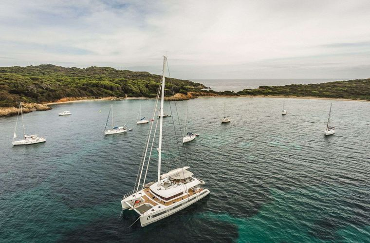 OCEAN VIEW Yacht Charter - At anchor