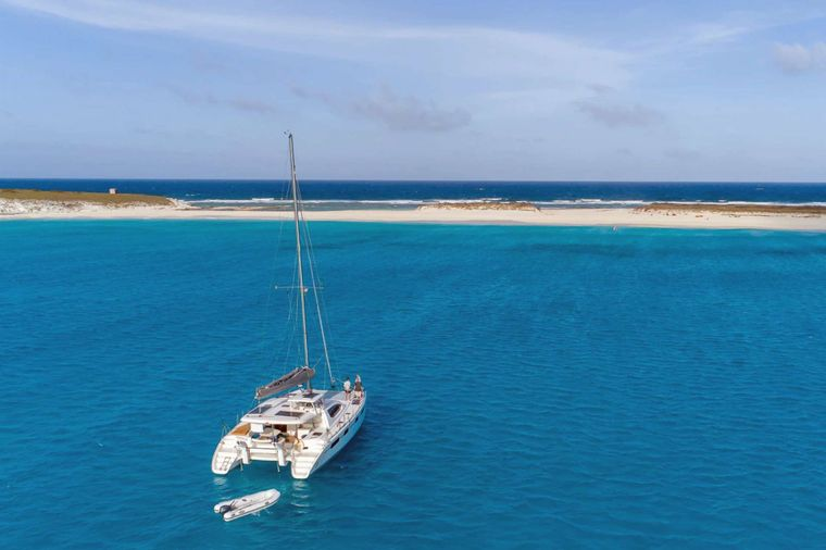 DESTINY III Yacht Charter - At Anchor