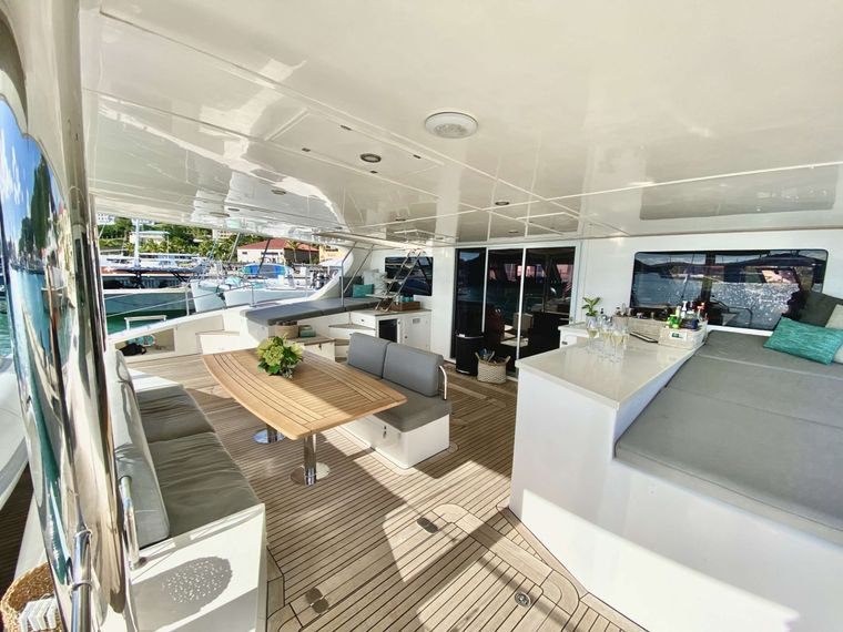 EXCESS Yacht Charter - Cockpit