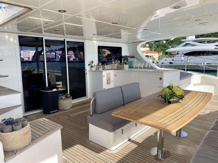 EXCESS Yacht Charter - Cockpit and Bar
