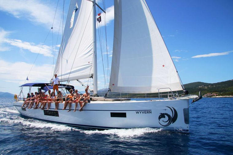 Wyvern Yacht Charter - Ritzy Charters