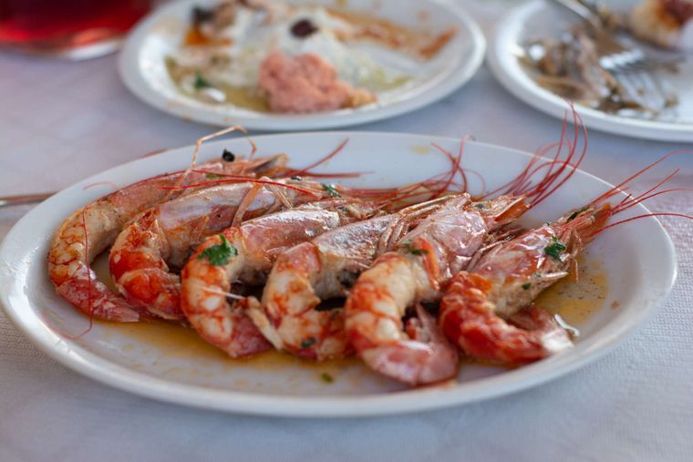 Wyvern Yacht Charter - Try the local cuisine!