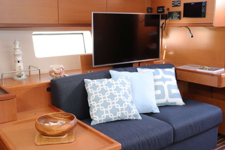 Wyvern Yacht Charter - Television & Chart Table