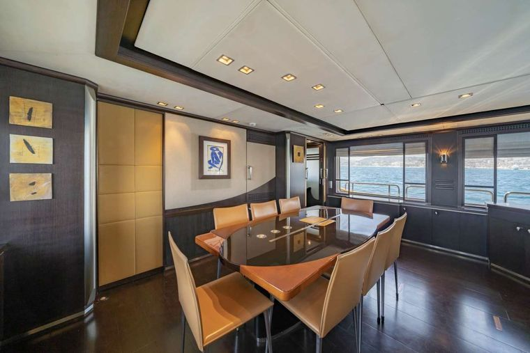 Quid Pro Quo Yacht Charter - Dining