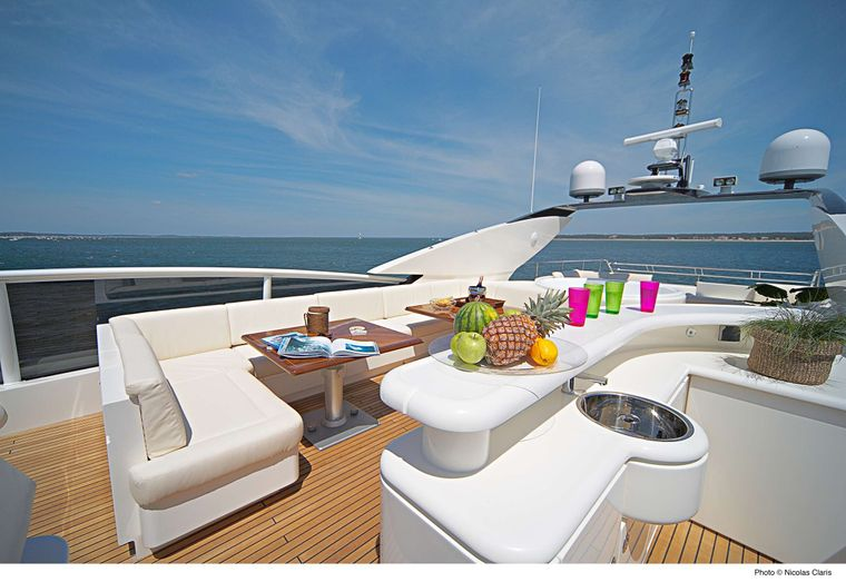 ECLIPSE 114 Yacht Charter - Spacious tender