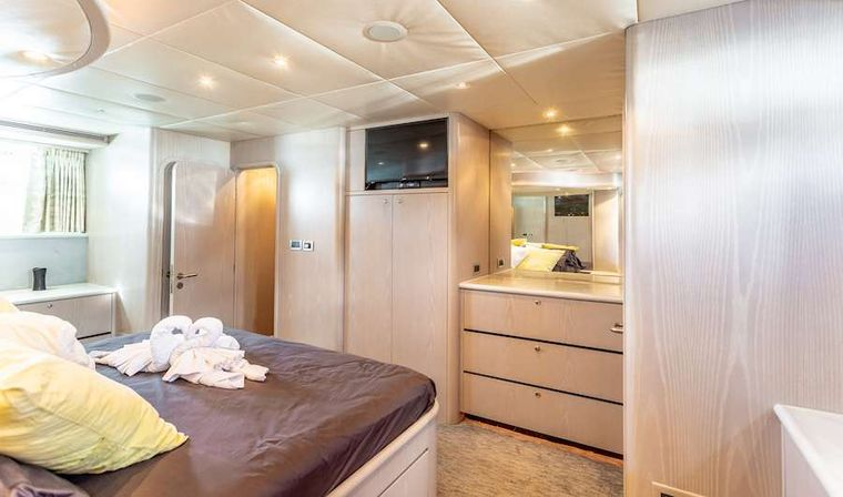 PRIME TIME Yacht Charter - Another view of the master king suite