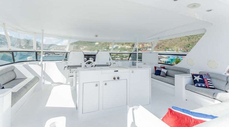 PRIME TIME Yacht Charter - Flybridge and helm