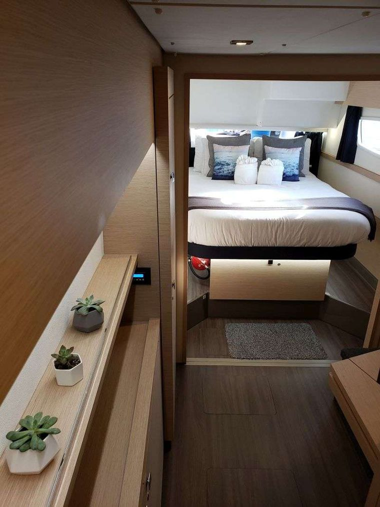 Ghost Yacht Charter - Ghost Master Cabin
