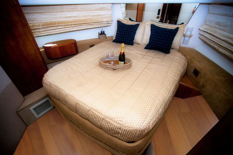 AVENTURA II Yacht Charter - Master Cabin, with a large en suite bathroom and separate shower unit