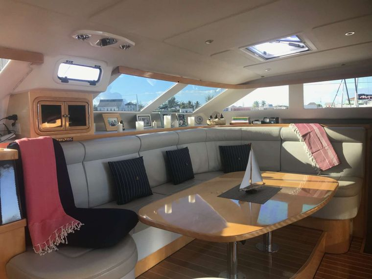GUINEVERE Yacht Charter - Spacious Salon and Interior Dining area
